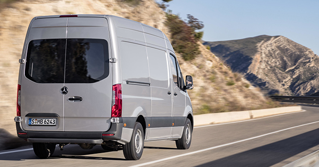 mercedes-benz 2018 sprinter van back exterior